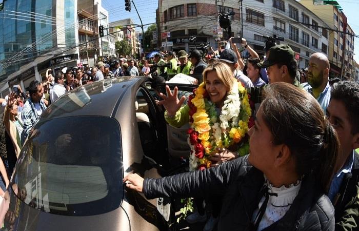 áñez visitó Cochabamba y recorrió los principales mercados de la ciudad. Foto: ABI