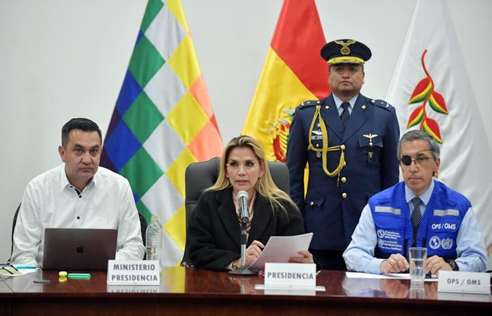 La presidenta Jeanine Áñez llamó a todos los bolivianos y las autoridades a enfrentar unidos al coronavirus. Foto: ABI.