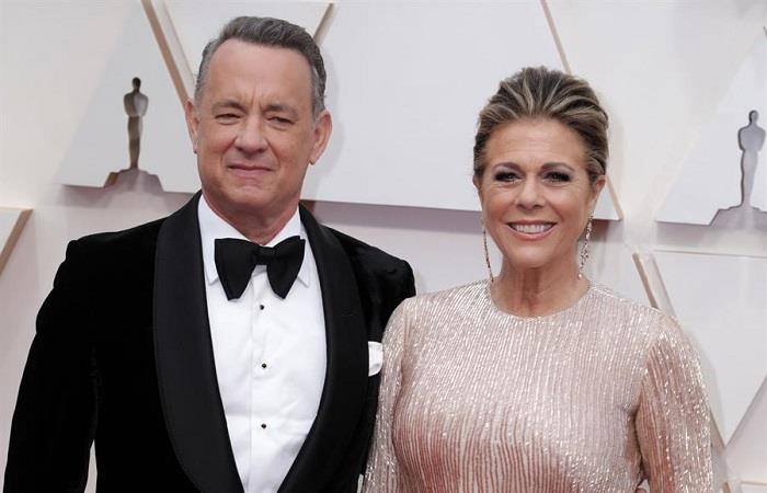 Thom Hanks da positivo en pruebas de coranurivurs, junto a su esposa. Foto: EFE