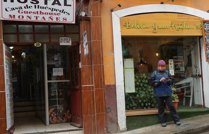 Coronavirus afecta el comercio en Bolivia, tras medidas de restricciones. Foto: EFE