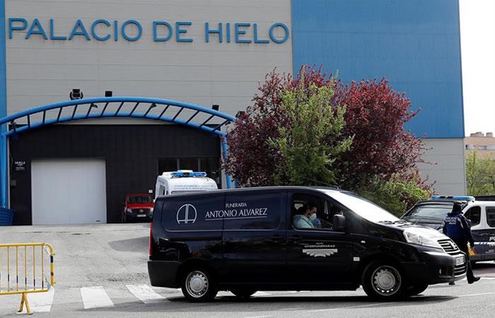 Palacio del Hielo usado como morgue en Madrid. Foto: EFE.