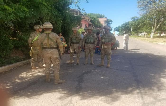 Fuerzas Armadas (FFAA) brindan apoyo a los bolivianos. Foto: ABI.
