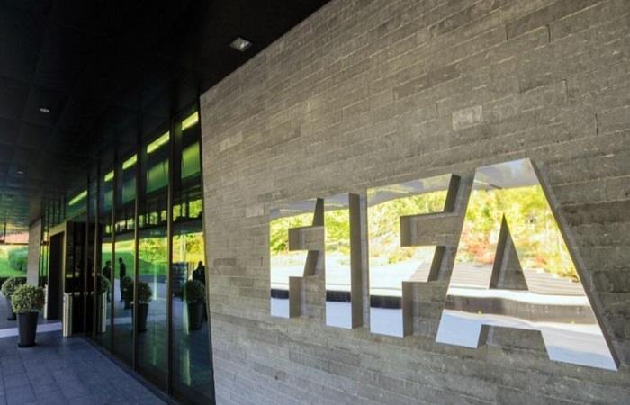 FIFA propone ayudas ante la crisis del fútbol. Foto: Twitter @johan_ñanez