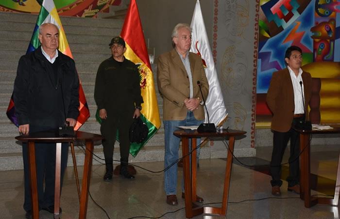 Jeanine Áñez instruyó a los ministros del área económica iniciar la elaboración de un programa amplio de recuperación de la economía boliviana. Foto: ABI
