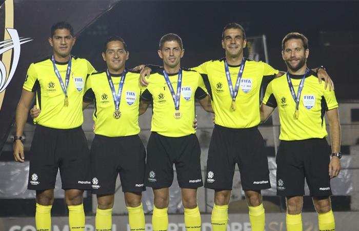 Los árbitros de Bolivia exigen ayudas para la cuarenena. Foto: Twitter
