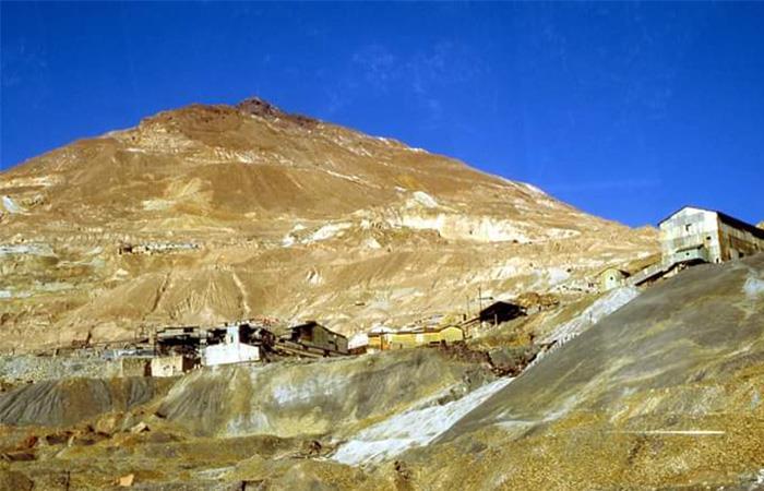 La mina Cerro Rico en Potosí fue una de las mayres productoras de plata del mundo. Foto: Twitter @francang1950