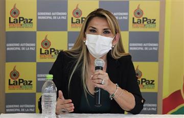 """Presidenta Áñez califica de """"atentado"""" la ley que da un plazo para elecciones en Bolivia"""
