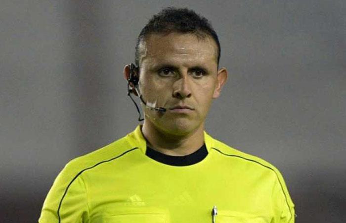 Los árbitros de Bolivia también dan su opinión sobre el regreso del fútbol. Foto: Twitter