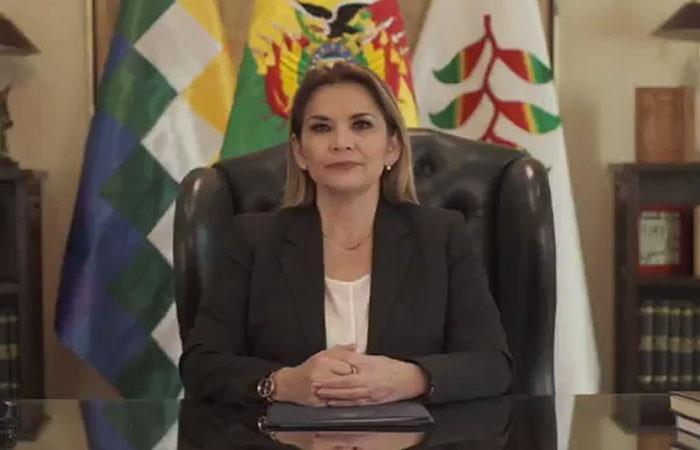La presidenta Añez hizo un llamado a la disciplina en la cuarentena. Foto: ABI