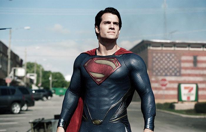 Henry Cavill negocia con Warner Bros Superman Man of Steel Justice League Batman v Superman
