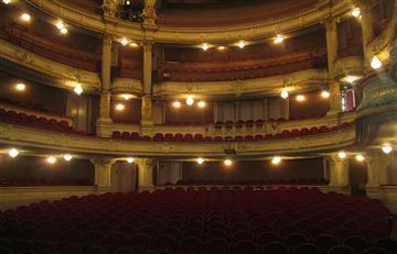 Artistas bolivianos piden reabrir teatros a la par de servicios religiosos