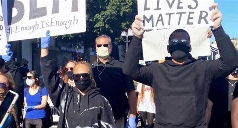 Jennifer López revela que su hijo, Max, la inspiró a unirse a protesta en Estados Unidos. Foto: Twitter