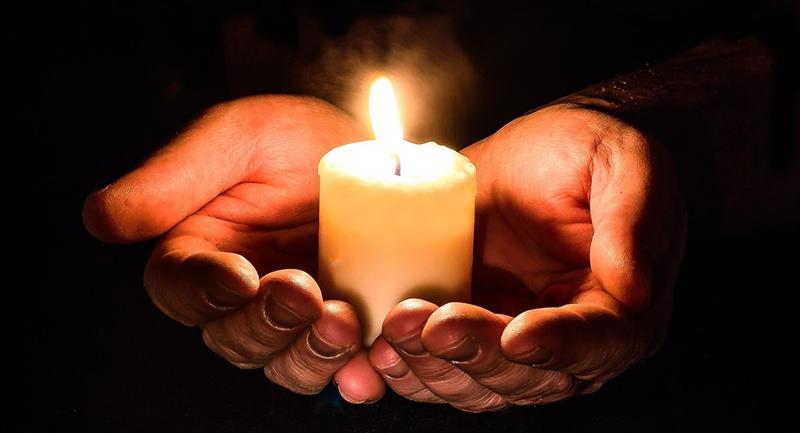 Oración para pedir un milagro. Foto: Pixabay