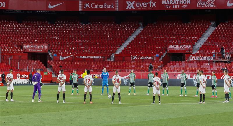 En un campo vacío, Sevilla y Betis jugaron el primer partido de LaLiga luego de la pandemia. Foto: EFE