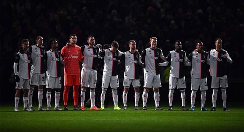 Los partidos del fútbol en Italia contarán con un minuto de silencio por las víctimas del COVID-19