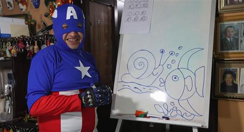 """El """"Doctor profe"""", un superhéroe virtual que enseña y cura en Bolivia"""