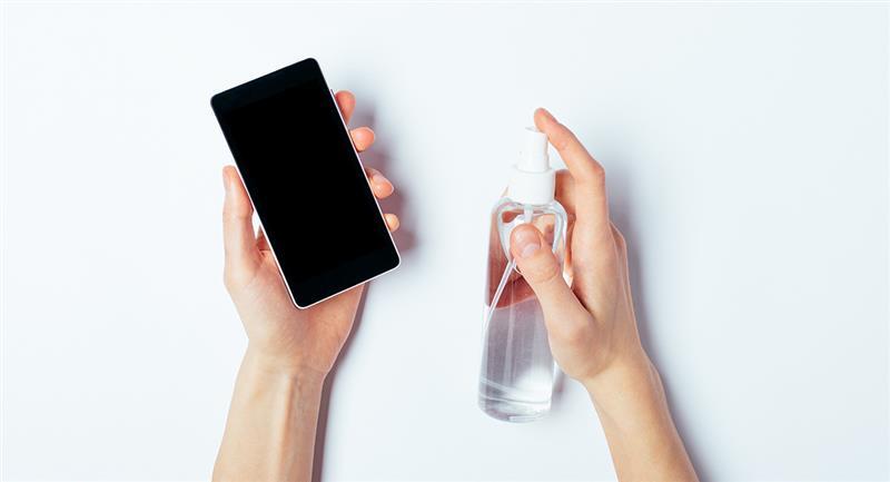 Aprende a desinfectar tu celular con estos consejos. Foto: Shutterstock