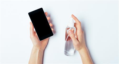 ¿Cómo limpiar y desinfectar la pantalla de tu celular?
