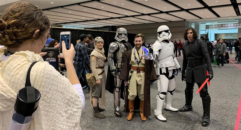 Asistentes a la convención 'Star Wars Celebration' del 2019 en Chicago (EE.UU.). Foto: EFE