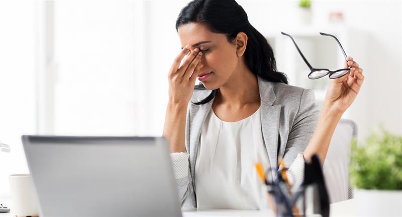 ¿Cómo evitar daños en los ojos por las pantallas?
