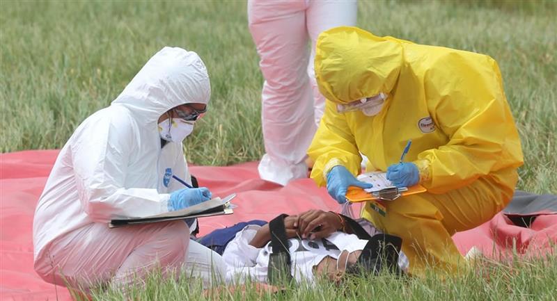 El total de fallecimientos por la pandemia en el país se elevó a 1.071. Foto: ABI