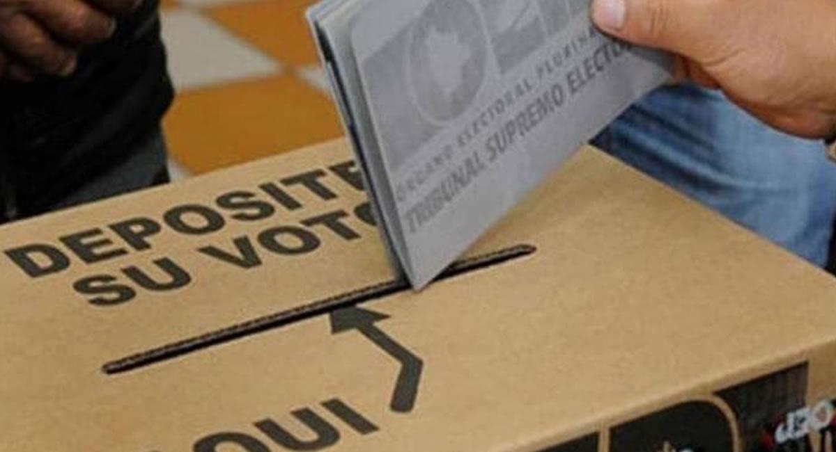 Listas de personas habilitadas e inhabilitadas para votar en cada mesa de sufragio. Foto: ABI