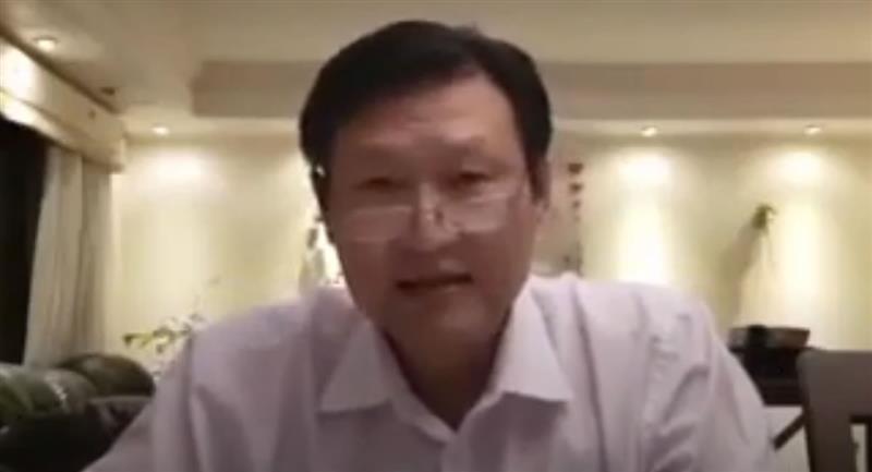 Doctor Chi Hyun Chung luego de vencer al COVID-19. Foto: Captura de video