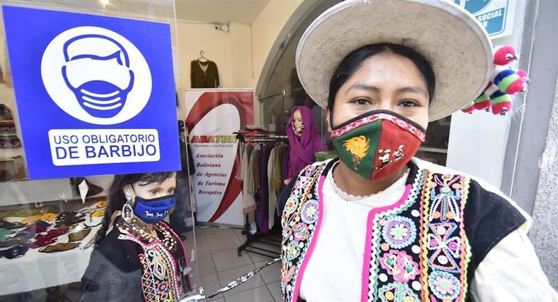 Alianza de artesanos y emprendedores consolidó un espacio de intercambio cultural. Foto: EFE