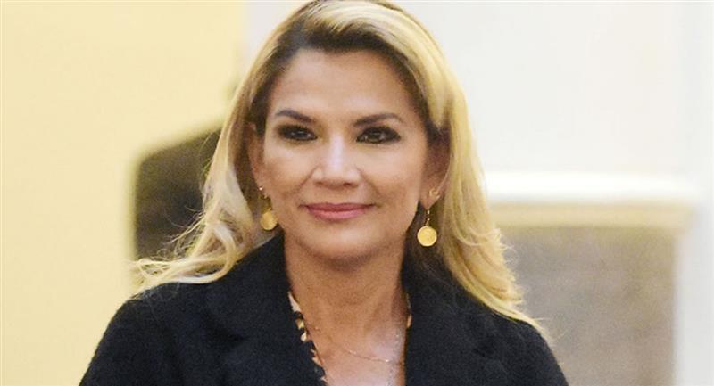 La presidenta interina de Bolivia, Jeanine Áñez se encuentra estable de salud. Foto: ABI