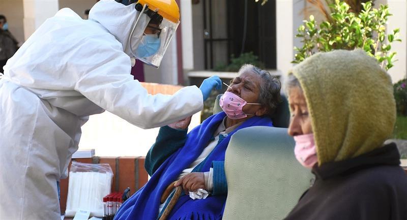 Bolivia alcanzó un nuevo récord de contagios. Foto: EFE
