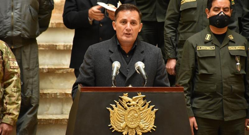 El ministro de Defensa, Fernando López. Foto: ABI