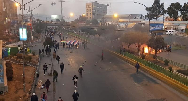 Las protestas en Bolivia siguen y organismos piden paso para insumos médicos