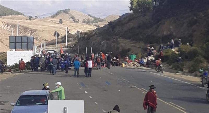 Sectores afines al MAS protagonizan bloqueos en todo el país. Foto: ABI