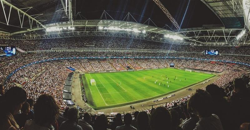 Tres empresas presentaron sus propuestas para transmitir los partidos del fútbol boliviano. Foto: Pixabay