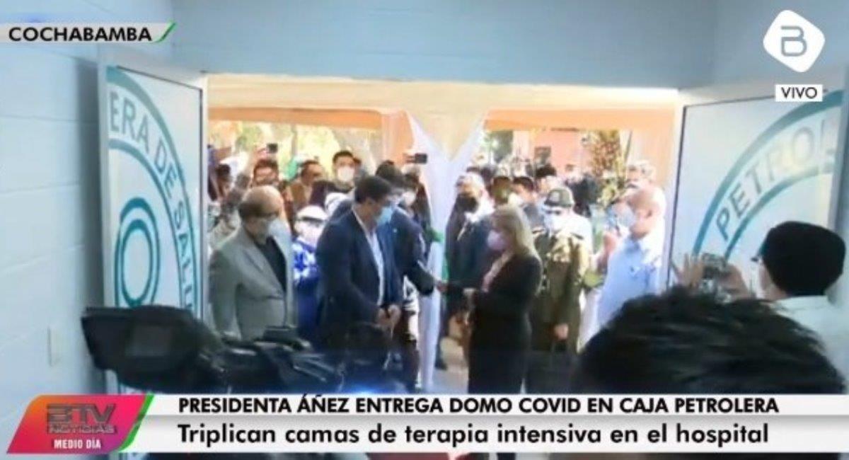 La presidenta inauguró la sala COVID en Cochabamba. Foto: ABI