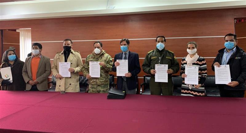 Acuerdo firmado por el TSE y la Policía Boliviana. Foto: ABI