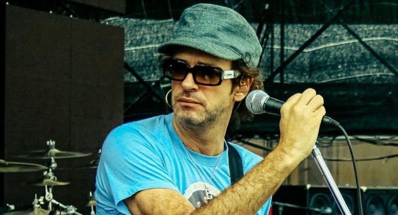 El artista argentino duró en coma 4 años tras una lesión cardiovascular. Foto: Instagram @cerati.