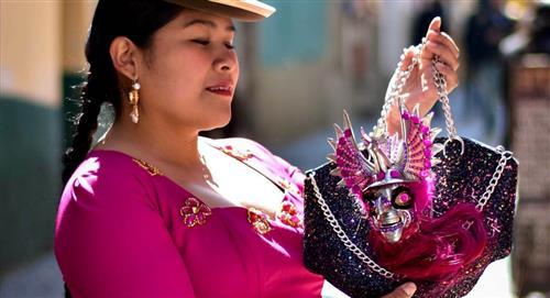 Carteras Jaya lleva la cultura de Bolivia a la pasarela de Nueva York