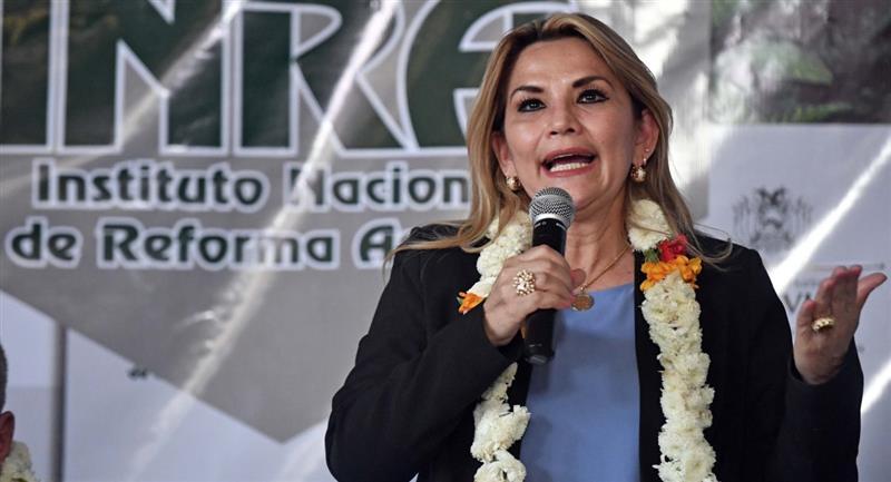 La presidenta Jeanine Áñez durante su visita a Cochabamba. Foto: ABI