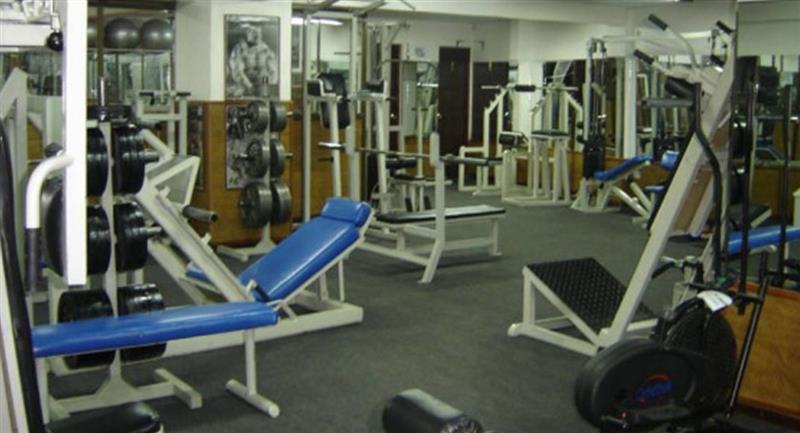 Los gimnasios están entre los negocios que podrán reabrir. Foto: ABI