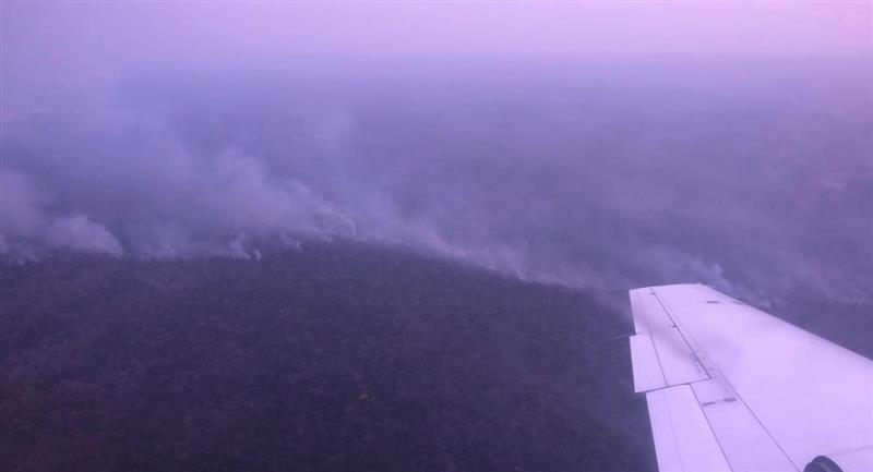 Sobrevuelo de las zonas afectadas por el incendio. Foto: ABI