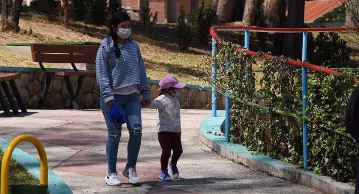 Visitantes en los parques de La Paz. Foto: ABI