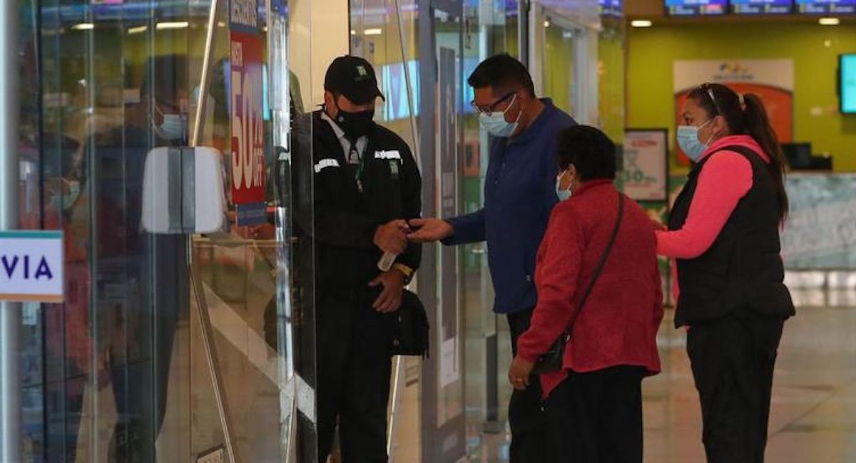 La Paz realiza reapertura de centros comerciales. Foto: EFE
