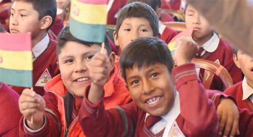 Gobierno adelanta el bono Juancito Pinto que llegará a 2 millones de estudiantes