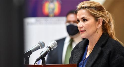 La presidenta Áñez pide una semana para decidir a qué candidato a la presidencia apoyará