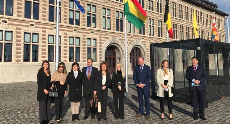 Delegación boliviana en Bruselas, Bélgica. Foto: ABI