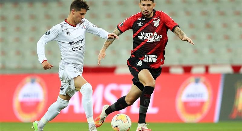 Imágenes del partido Athletico Paranaense vs Wilstermann. Foto: EFE
