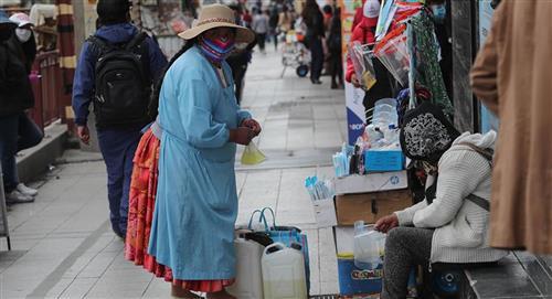 """Trabajar de """"lo que sea"""", una realidad social ante las elecciones en Bolivia"""