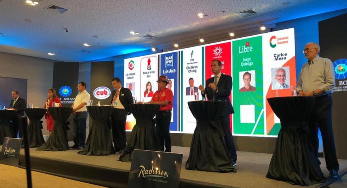 Debate presidencial previa a las elecciones del próximo 18 de octubre. Foto: ABI