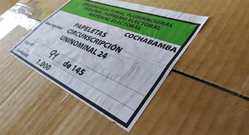 Papeletas elecciones generales del 18 de octubre. Foto: ABI